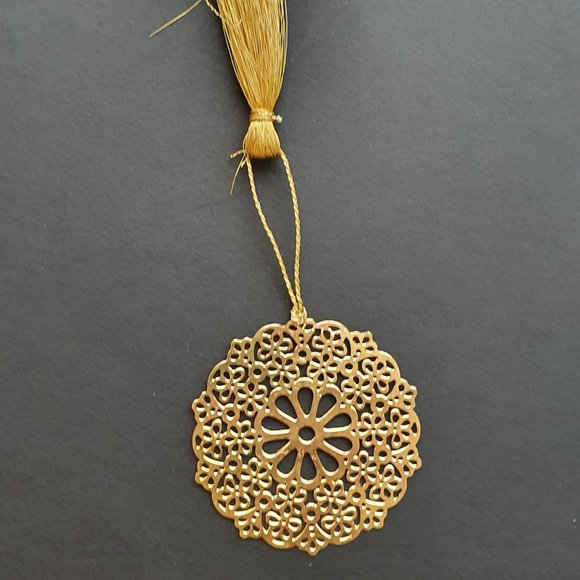 Bookmark Design-Brass metal cutting flower 1
